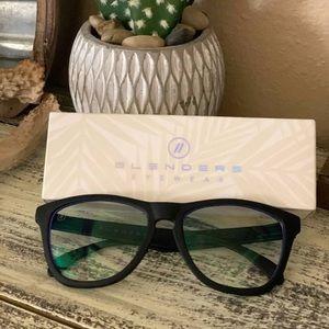 Sold on MERCARI // Blenders Blue Light glasses //